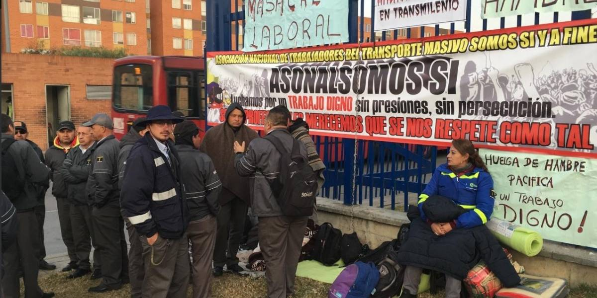 Continúa la huelga de hambre de conductores de TransMilenio