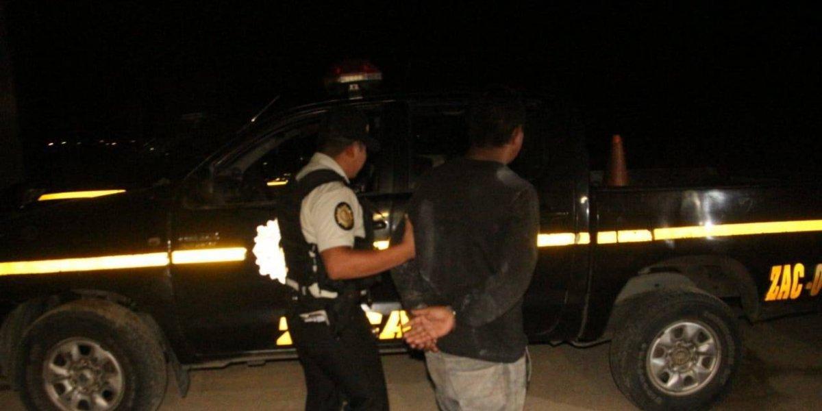 Detienen a hombre con nueve órdenes de captura por extorsión