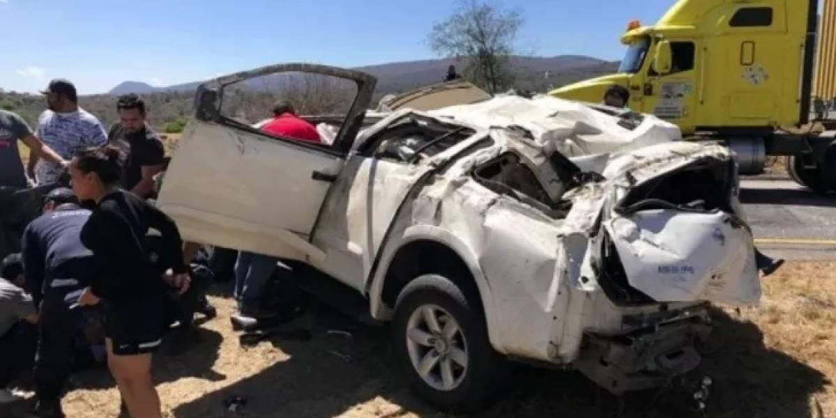 Nestor de la Torre, exdirectivo de Chivas, sufre accidente en la carretera