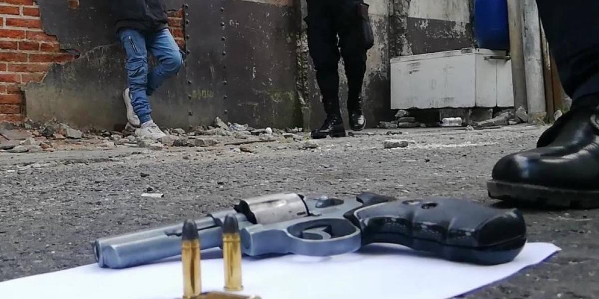 PNC evita el asesinato del piloto de un bus y captura a un adolescente