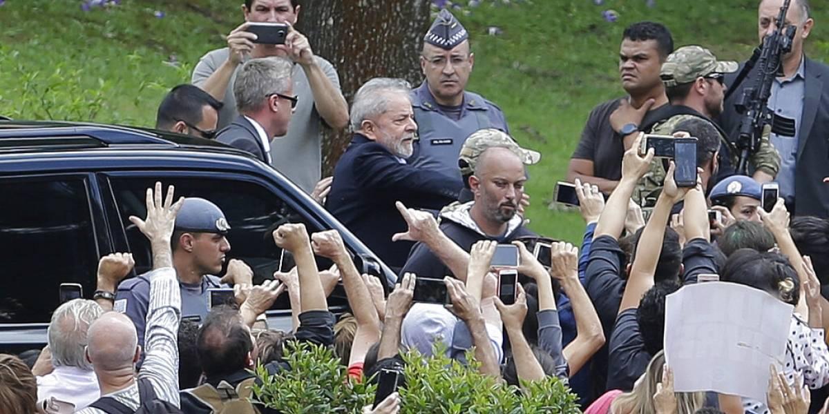 El expresidente Lula da Silva sale de la cárcel para ir al funeral de su nieto de 7 años