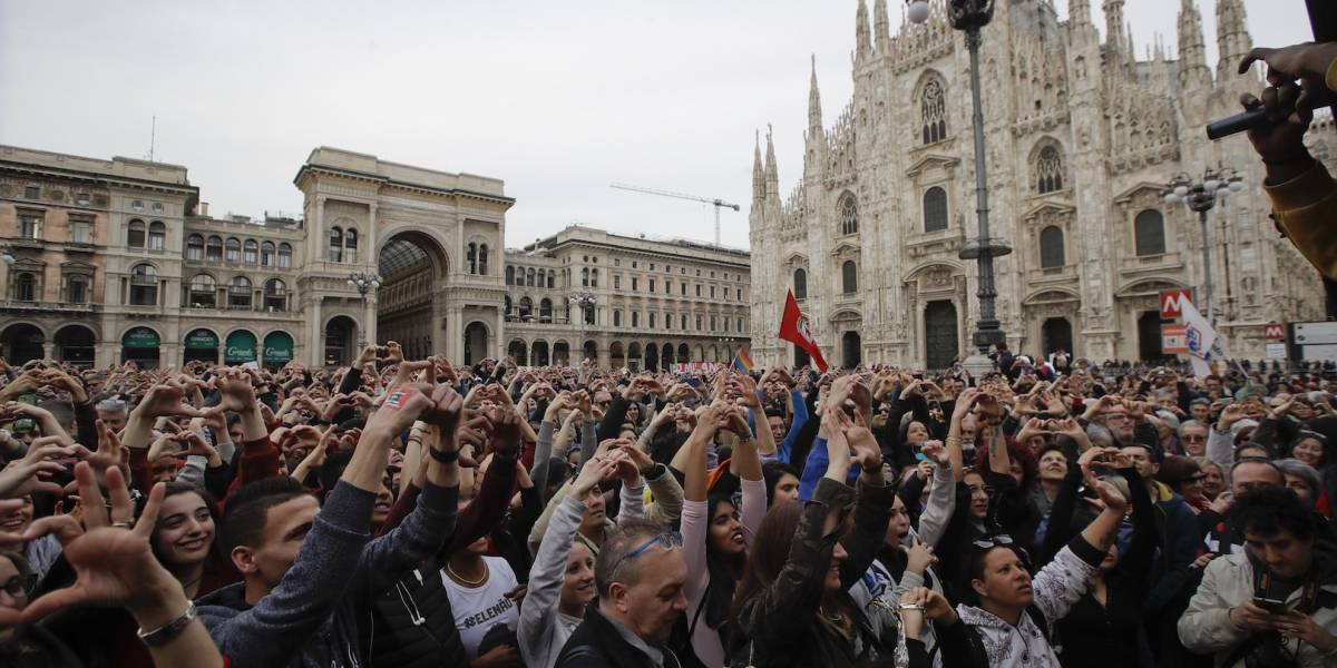 Miles de personas marchan en Italia contra el racismo y la discriminación