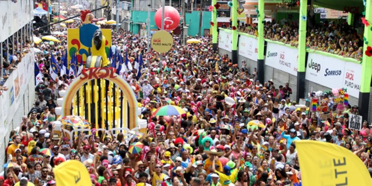 Veja fotos do bloco Galo da Madrugada, no Recife