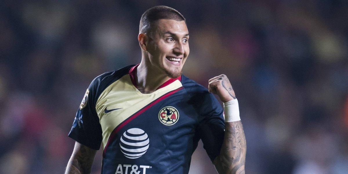 América rescata empate con golazo de 'Nico' y un jugador menos