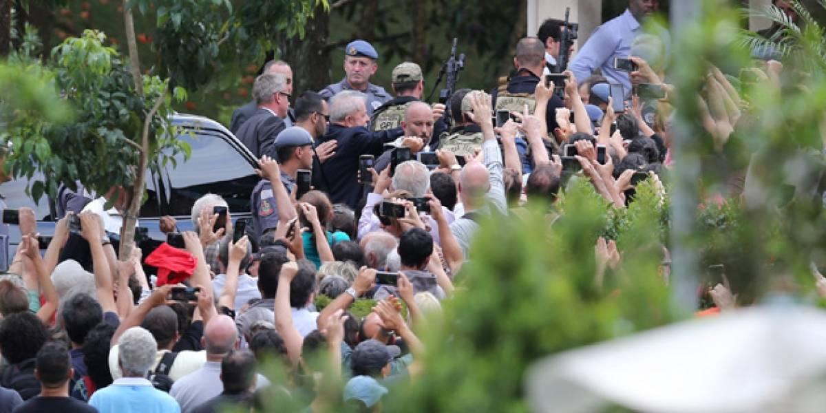 Lula chega ao velório de neto em São Bernardo do Campo