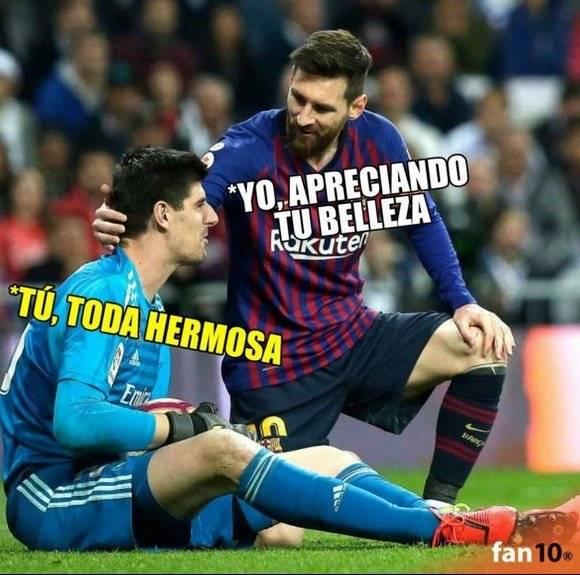 Courtois y Lio Messi en el clásico español. Twitter