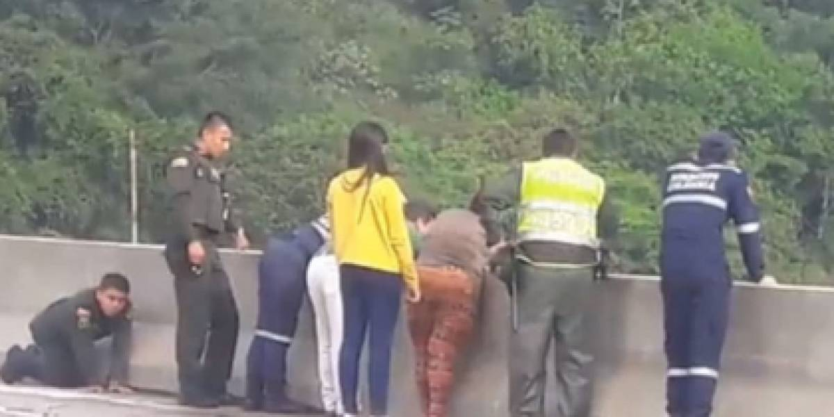 """Aseguran que hay """"demonios"""" bajo el puente del que saltó Paola Moreno"""