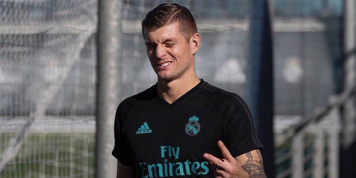 Toni Kroos es insultado por aficionados del Real Madrid previo al Clásico