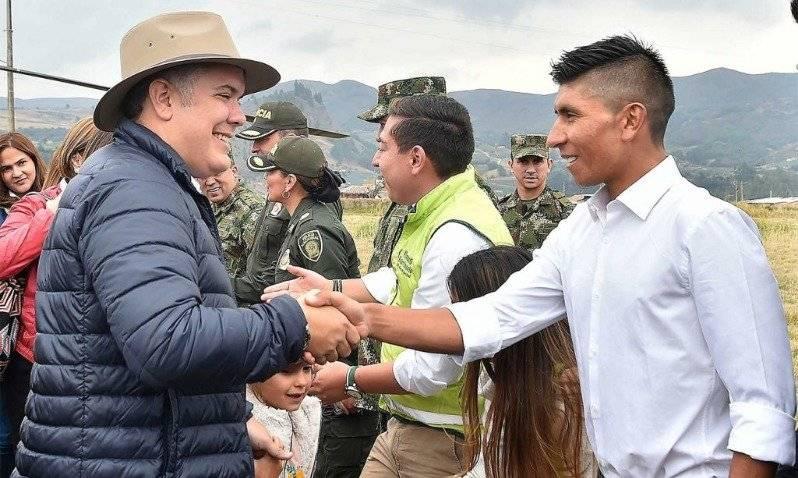 Polémica fotografía de Nairo Quintana junto a Iván Duque