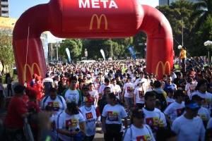 Imágenes. Derroche de energía, alegría y calidez en la VI Carrera Familiar de McDonald's