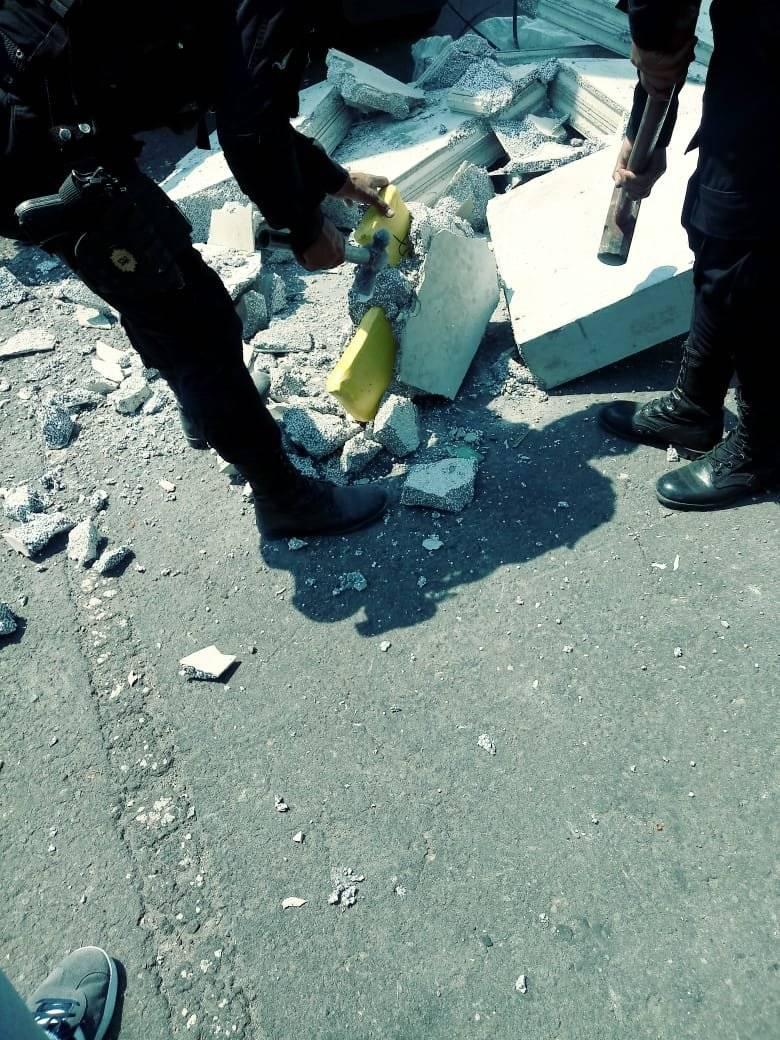 El perro policial K-9 fue quien detectó la droga en el contenedor. Foto: MP
