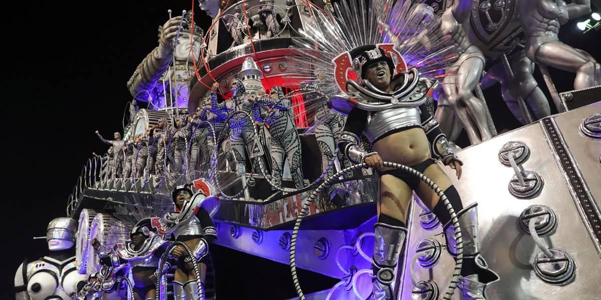 Na 2ª noite de desfiles em SP, sambódromo vai do Brasil até Armênia