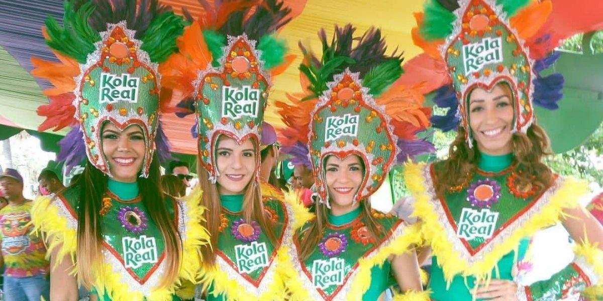 """Kola Real presente en el """"Desfile Nacional"""" con su carnaval de sabores"""