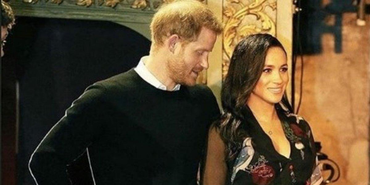 Difunden video de las románticas caricias entre el príncipe Harry y Meghan Markle