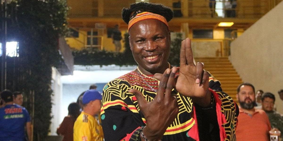 Tigres presume a su nuevo fanático de la realeza africana