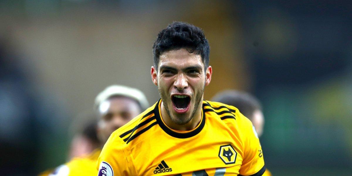 Raúl Jiménez cumple el sueño de un pequeño aficionado de los Wolves