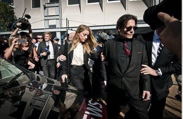 Johnny Depp demanda a su exesposa por 50 millones