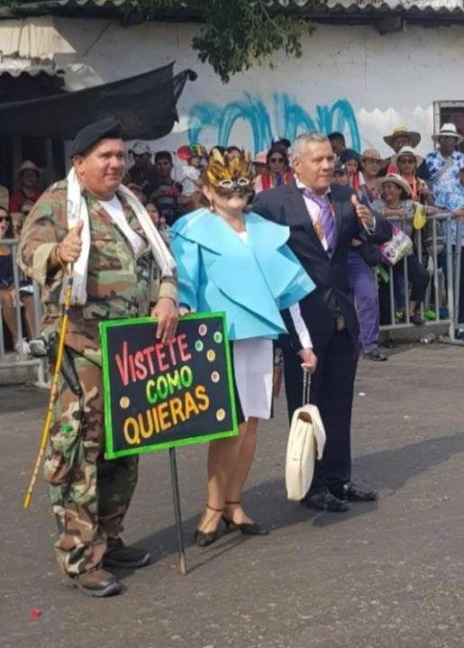 mujer disfraz carnaval de barranquilla