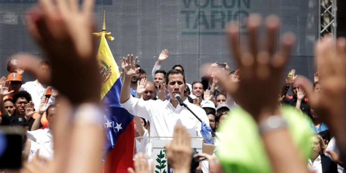 En vivo: Comienzan a congregarse en Venezuela en espera de Juan Guaidó