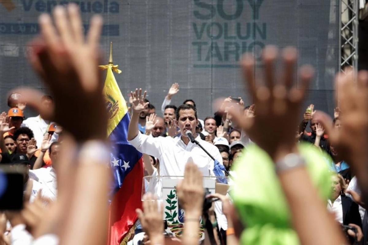 Venezuela expulsa a los últimos diplomáticos de EE. UU