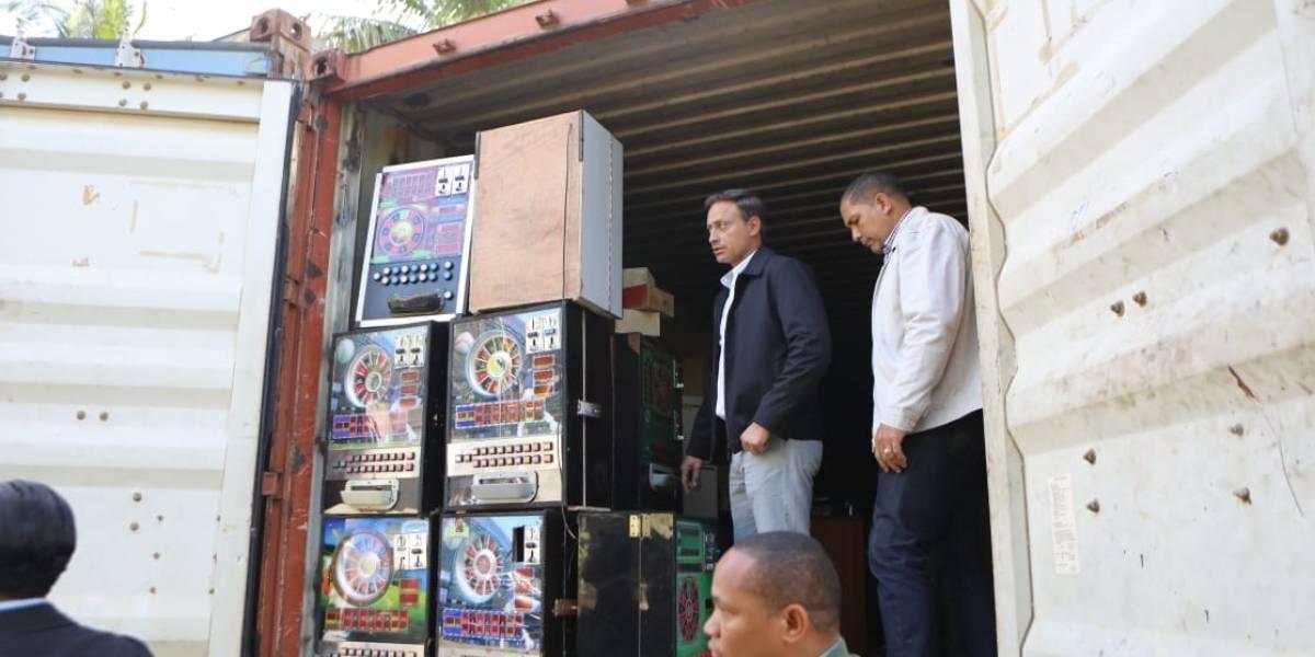 Procurador realiza allanamiento en centro acopio y distribución tragamonedas