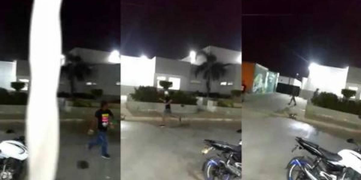 Porque la policía les apagó fiesta carnavalera, ellos atacaron a piedra a centro médico distrital