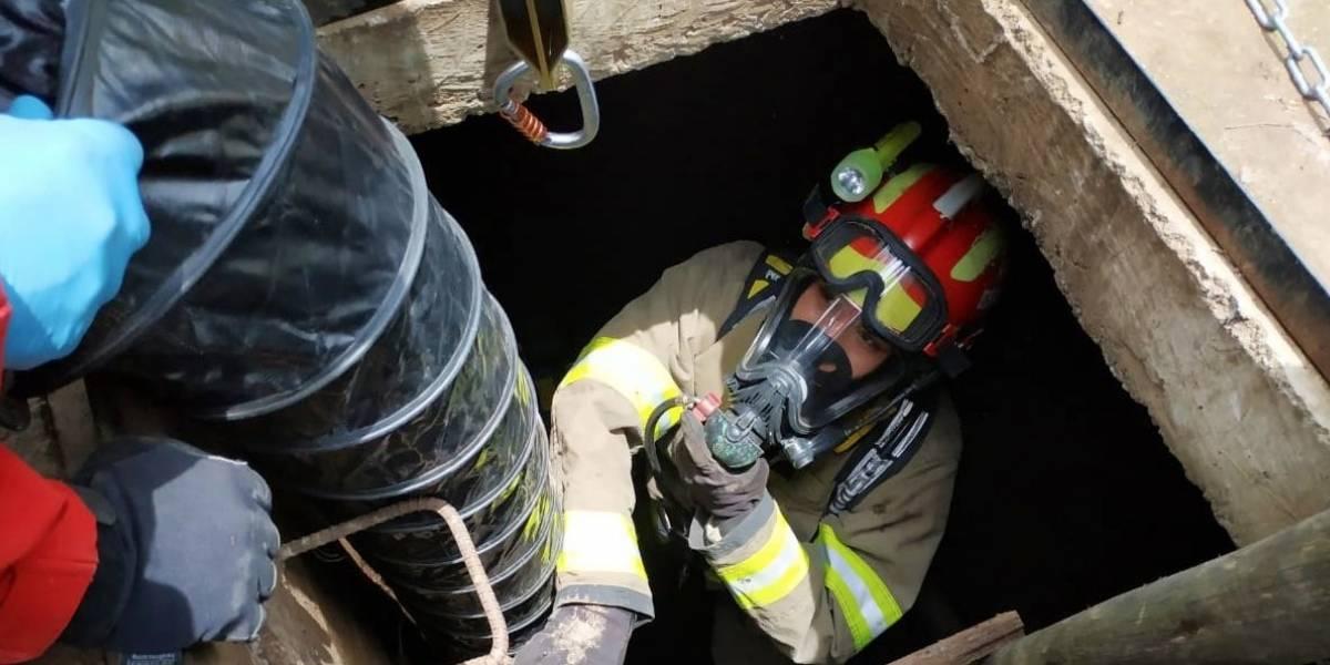 Quito: Persona murió al caer a un pozo séptico en la vía Pifo-El Quinche