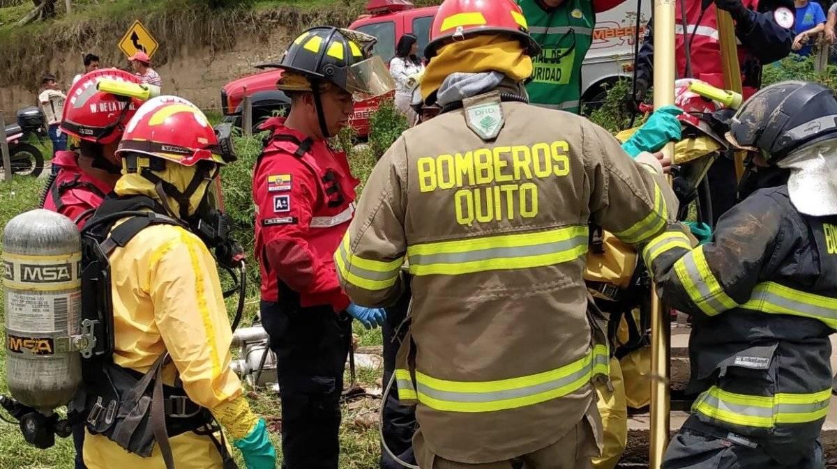 Persona murió al caer a un pozo séptico en la vía Pifo-El Quinche