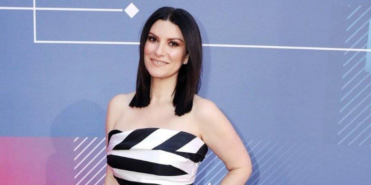 Por primera vez Laura Pausini se deja ver muy sexy en traje de baño