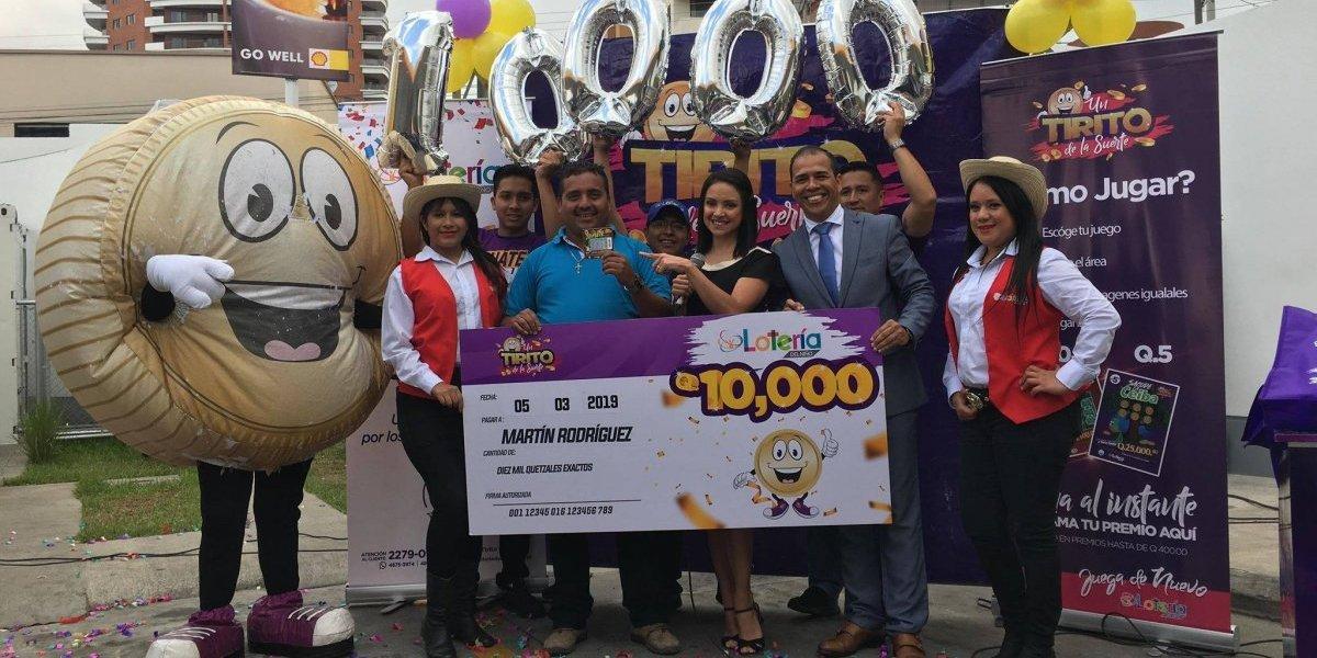¡Recibió Q10 mil! Guatemalteco raspó y ganó con la Lotería del Niño