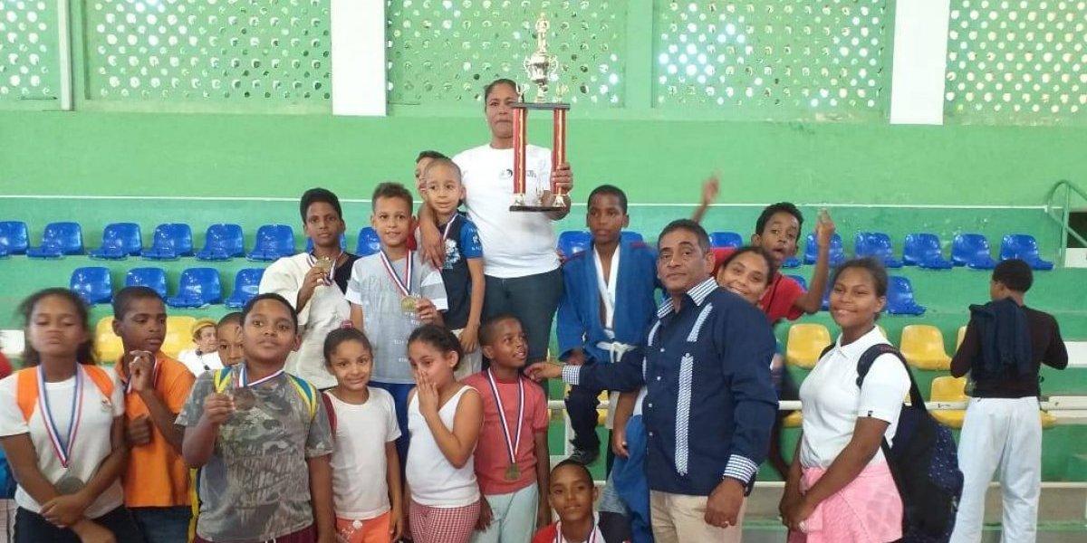 San Juan de la Maguana gran campeón invitacional regional de judo