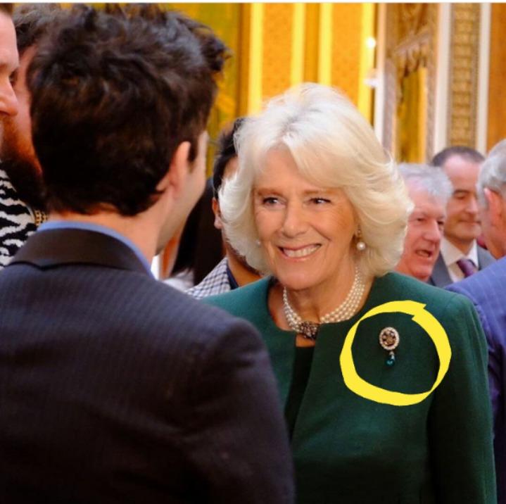 Camila de Cornualles usa joya que lució Diana