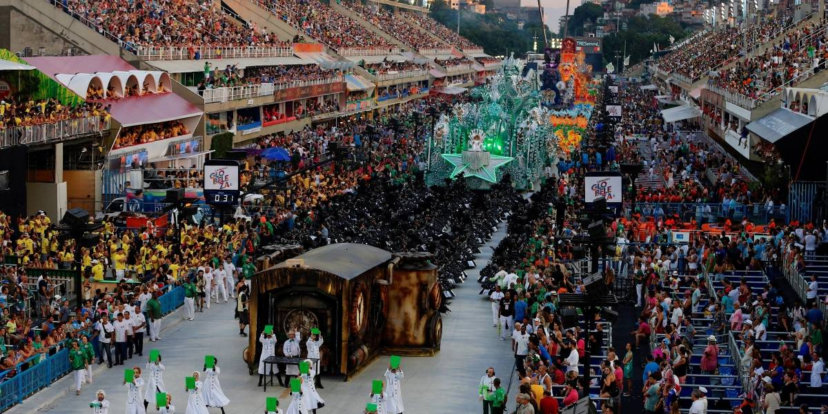 Bolsonaro comparte grotesco video en Twitter para criticar al Carnaval de Río y es atacado en redes