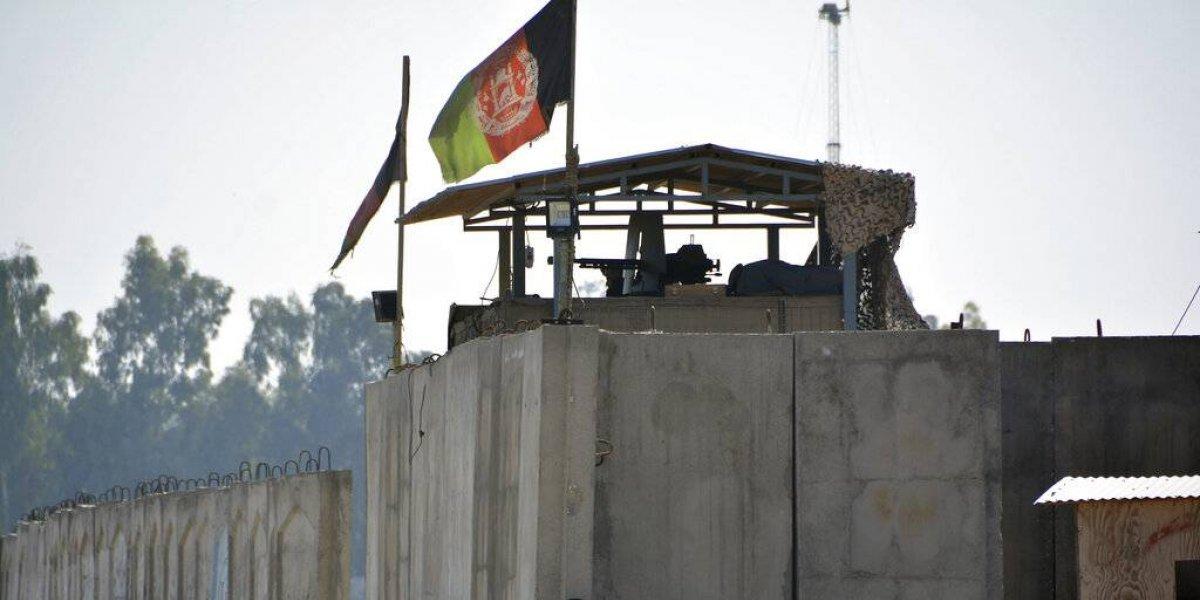 Ataque suicida cerca de aeropuerto en Afganistán