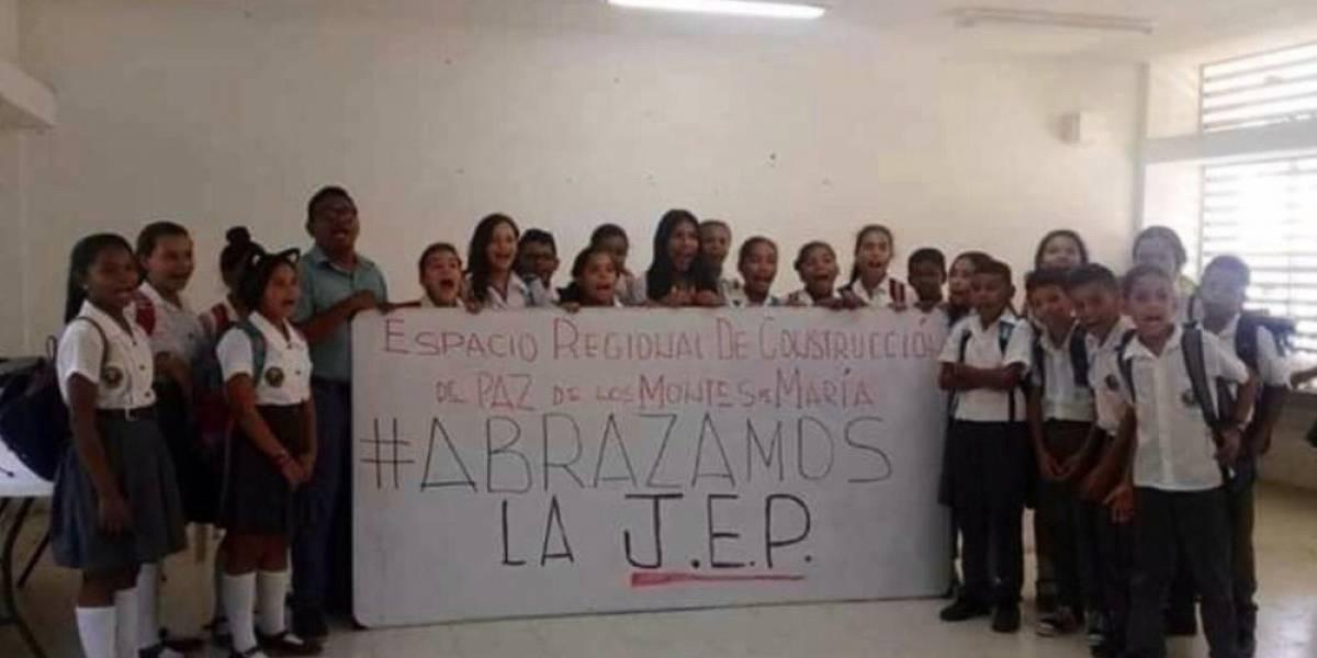 ¿Álvaro Uribe propone privatizar la educación para evitar que estudiantes no sean adoctrinados en política?