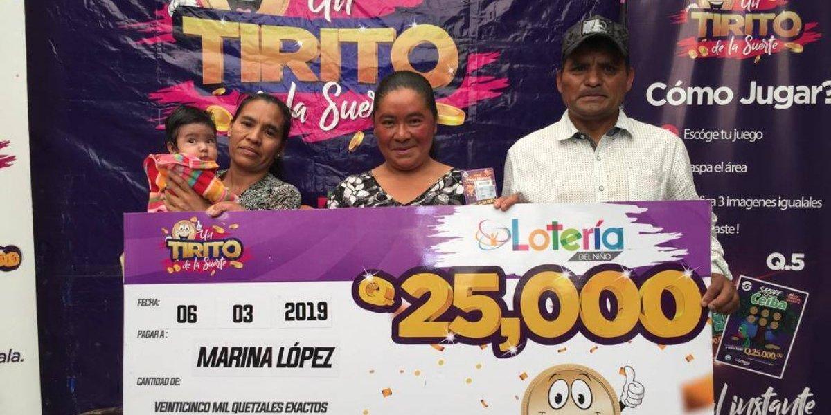 Lotería del Niño: Doña Marina López raspó y viajó desde Jalapa para recibir Q25 mil