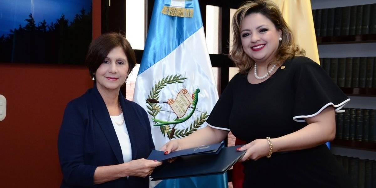Guatemala presenta a diplomática venezolana designada por Guaidó