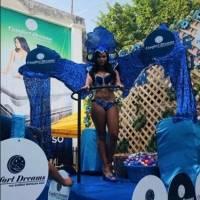 La sensual Laura Bariatti se hace presente en el Carnaval de Mazate