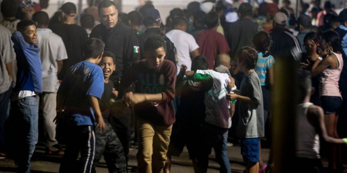 EE. UU. pide ayuda a militares para alojar a 5 mil niños migrantes