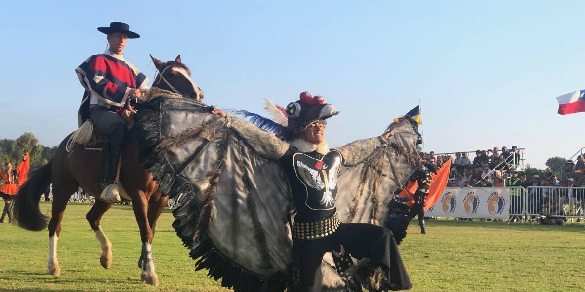 Con bailes tradicionales y fantasías ecuestres conmemoran los 200 años de proclamación de la Independencia