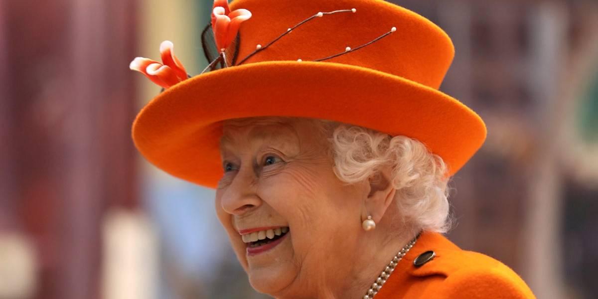 Rainha Elizabeth faz post 'nerd' em sua primeira incursão no Instagram