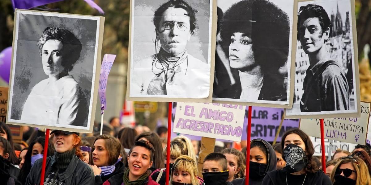 Mulheres do mundo todo vão às ruas no Dia Internacional da Mulher