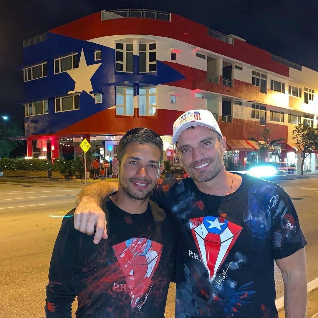 Pintor boricua Héctor Collazo y Julián Gil