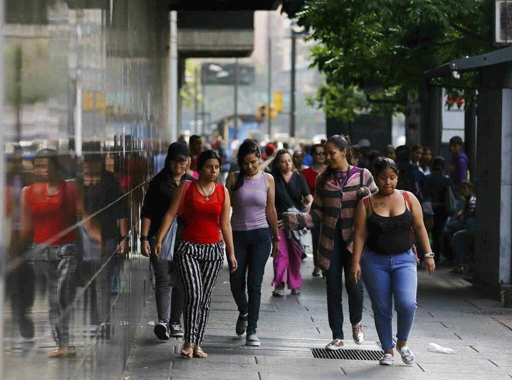 Caos en las calles de Venezuela por apagón Foto: AP