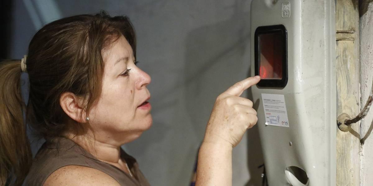 Medidores inteligentes: USACH comprobó en estudio que miden lo mismo que los convencionales