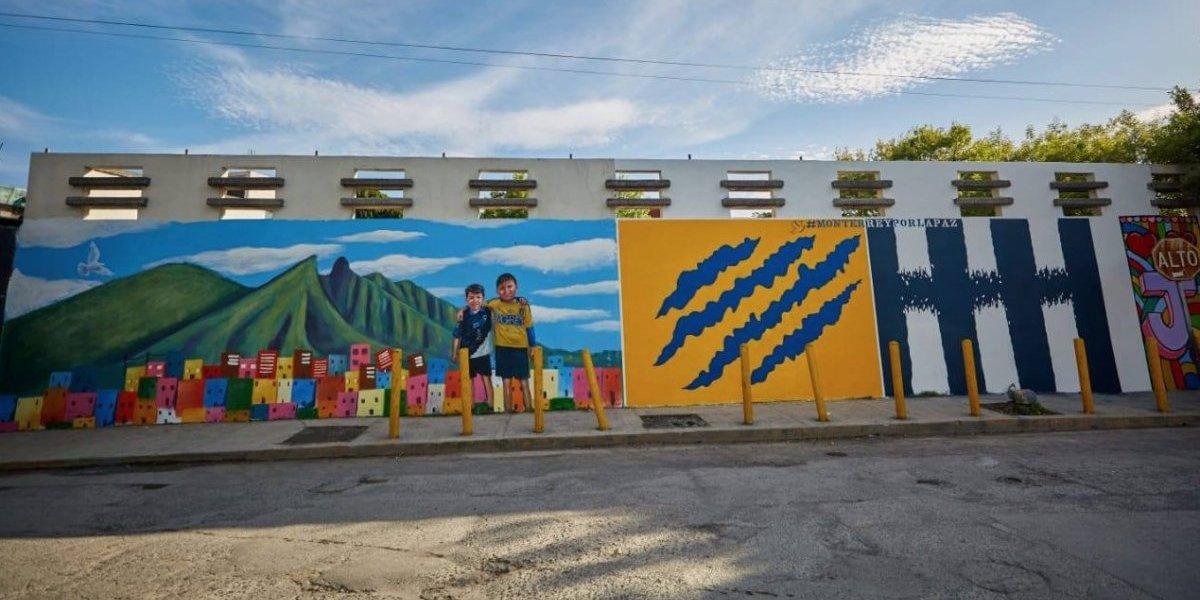 FOTOS: El espectacular mural que promueve la paz en el Clásico Regio