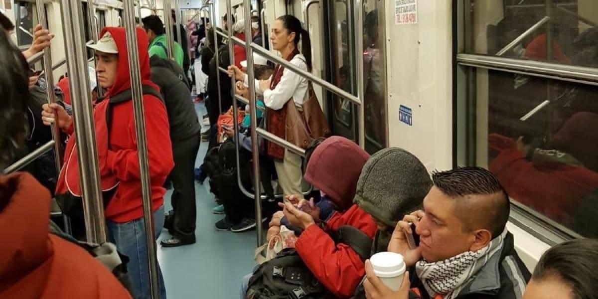 Captan a Claudia Sheinbaum viajando en el Metro