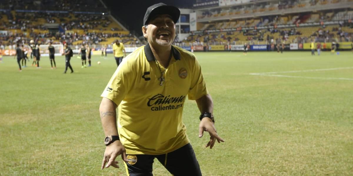 """Diego Maradona suma tres hijos cubanos y sólo le """"faltan tres para el equipo de once"""""""