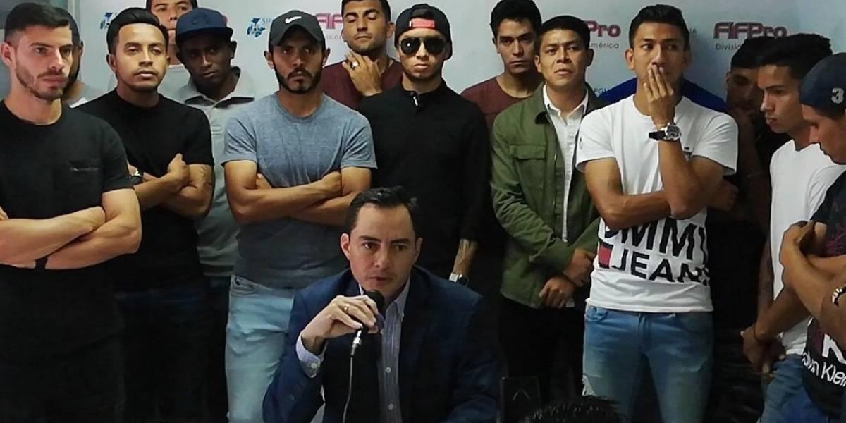 Jugadores de Petapa rescinden su contrato con el club por falta de pago