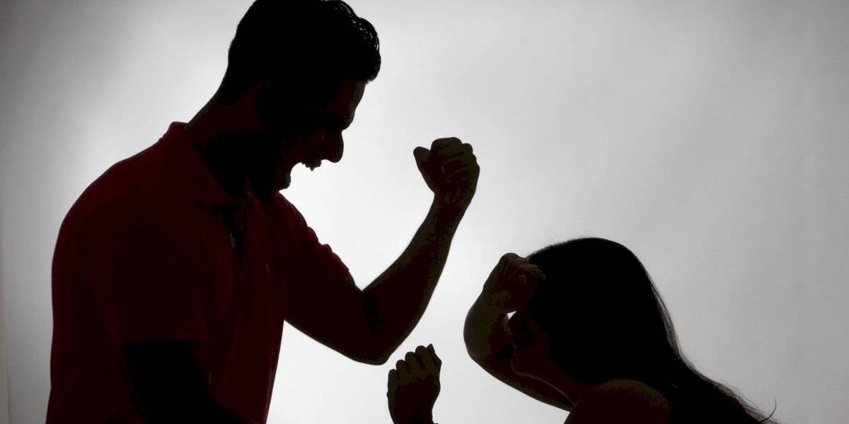 Violencia intrafamiliar aumentó en Bogotá y Claudia López regañó a jueces